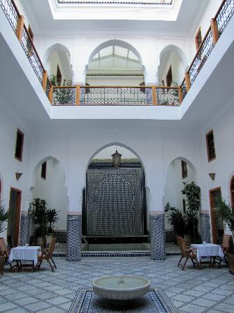 Riad Layali Fes: Courtyard