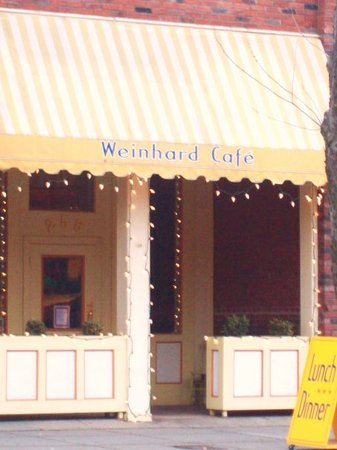Weinhard Cafe & Bakery: Comfortable, charming setting in downtown Dayton