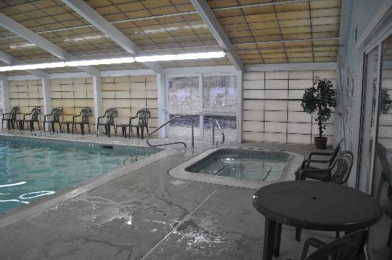 Ashland, NH: indoor pool, water warm