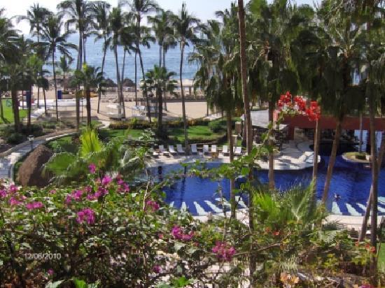 Club Regina Puerto Vallarta: View from our room (#480)
