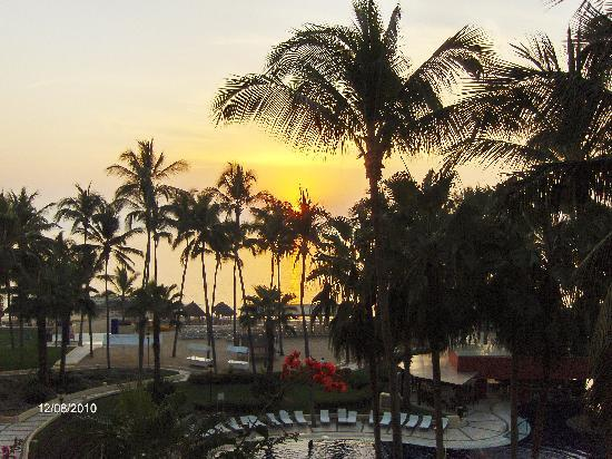 Club Regina Puerto Vallarta: Sunset view from room