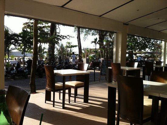 Taste Bar & Grill: great views