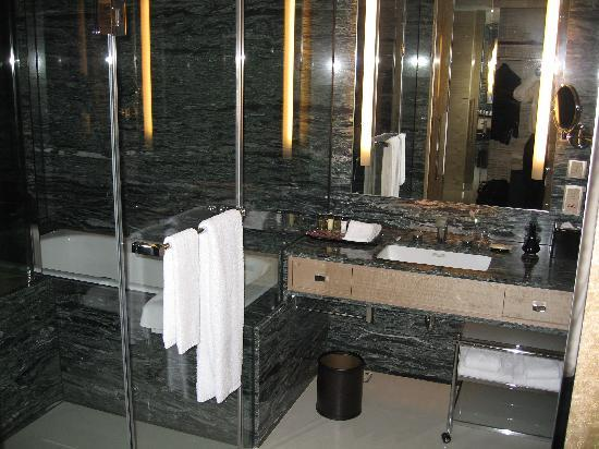 Sheraton Hsinchu Hotel : with camera flash - shower on the left and vanity on the right