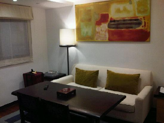 Shama Central Serviced Apartment: Living room