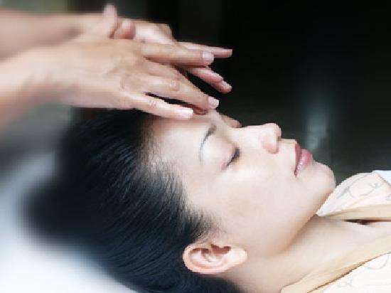 Febri's Spa: Facial Treatment