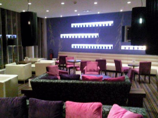 ibis Styles Evry Cathedrale : Lounge bar