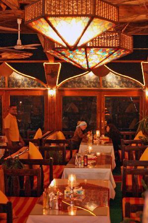 Aladdin Resturant: interior2