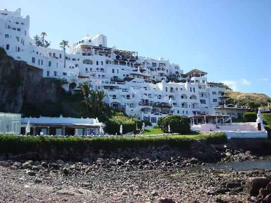 Club Hotel Casapueblo: view from below