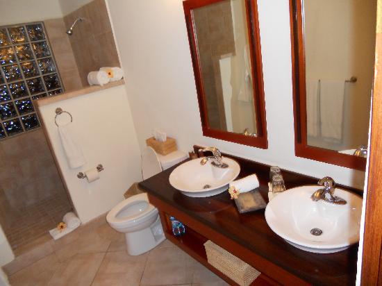 Ka'ana Resort: Bathroom photo #1