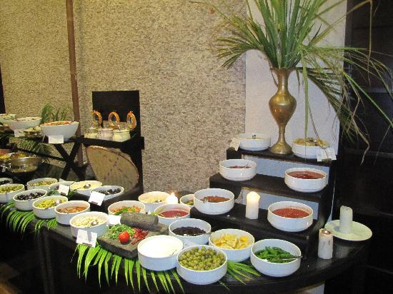 InterContinental Mauritius Resort Balaclava Fort: une partie du buffet