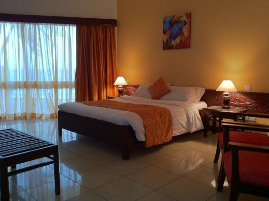 Kenya Bay Beach Hotel: Deluxe Room