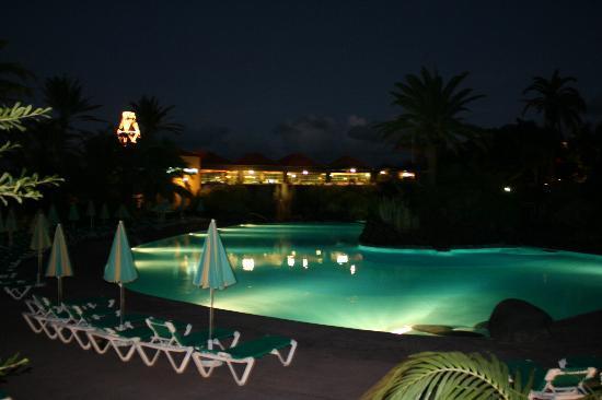 Hacienda San Jorge: Pool At Night