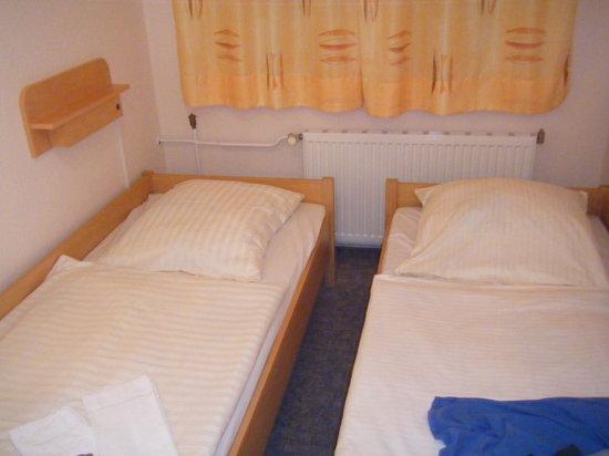 Jugendgastehaus Dresden: Suite 633 bedroom