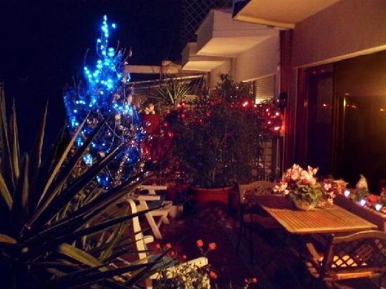 Attic 12 B&B: Angolo natalizio in terrazza