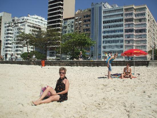 Orla Copacabana Hotel: El frente, es el finito y alto