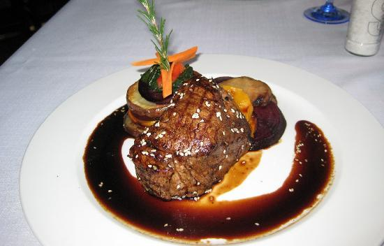 The Olive Tree: Fillet steak and sauce