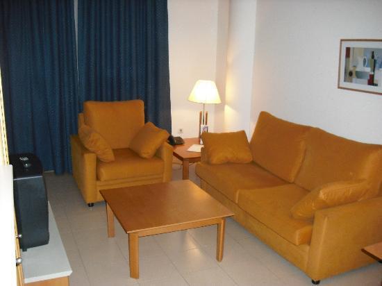 Hotel Arrahona: living room