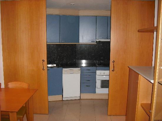 Hotel Arrahona: kitchen