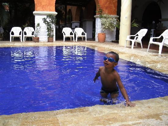 Hotel Mariscal Robledo: Piscina para los niños