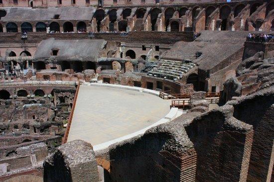 Рим, Италия: Coliseum ...
