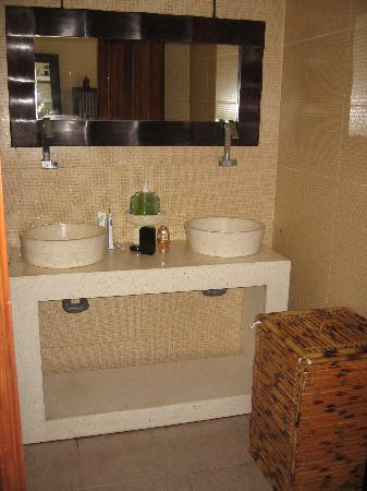 Pesona Resort : bathroom