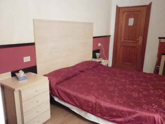 Hotel Saturnia: Room 206