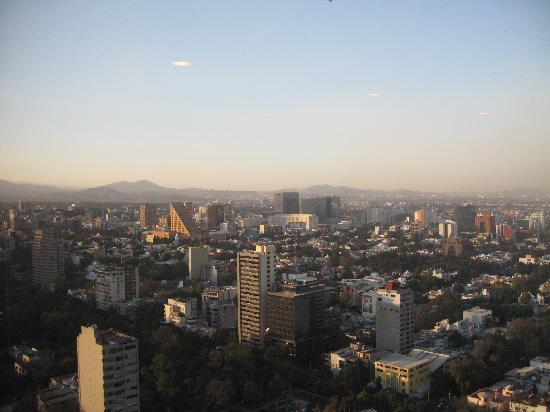 InterContinental Presidente Mexico City: View from breakfast room to city