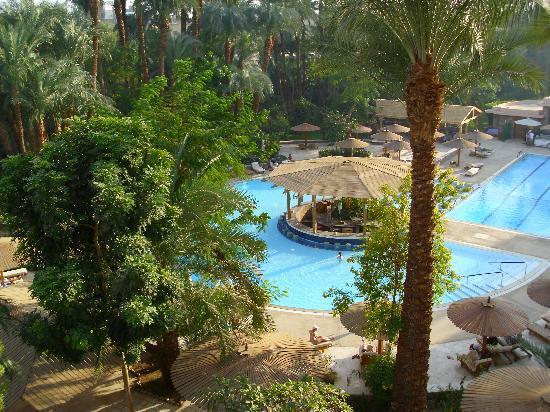 Pavillon Winter Luxor: vue sur la piscine