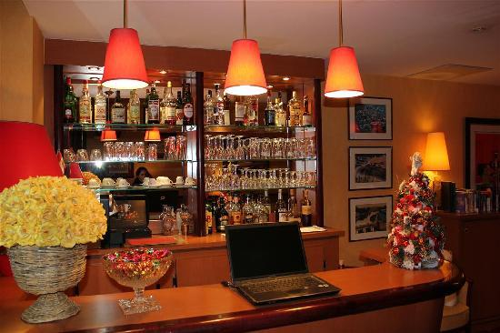 Hotel Residence Foch: The Bar