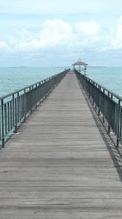 Turi Beach Resort: the jetty bridge.