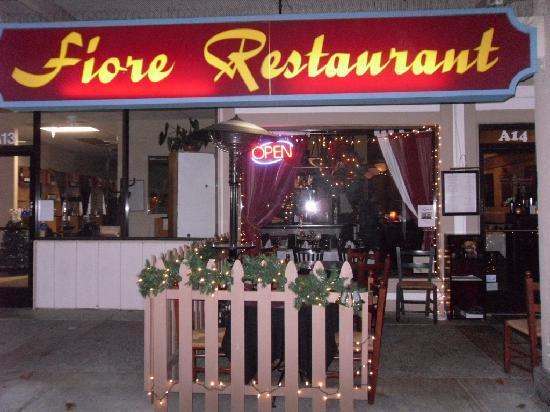Fiore Restaurant : outside entrance