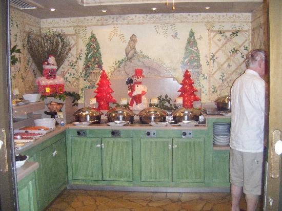 Green Garden Resort & Suites: buffeten