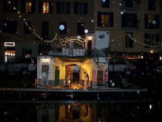 Barrio Navigli: presepe galleggiante
