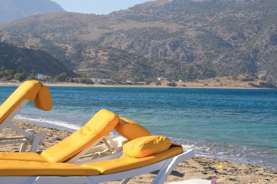 Miramare Bay: spiaggia sotto l'albergo