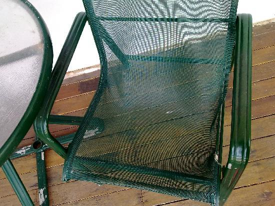 Hook Island, Australië: The chair at the verandah. Be careful, dont fall through
