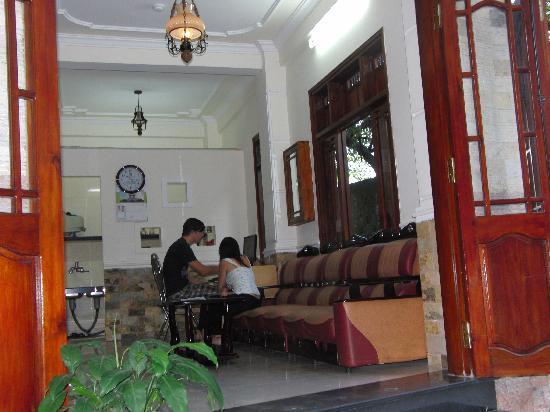 Star Binh Duong Hotel : reception area