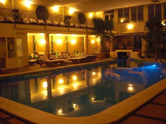 Quisisana Hotel Terme : Piscina termale di sera