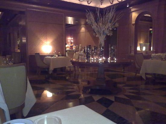 Four Seasons Hotel Doha: Il Teatro restaurant