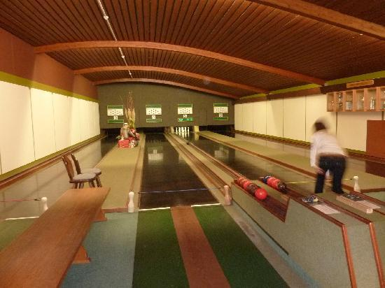 bowling alley picture of flair hotel am kamin kaufbeuren tripadvisor. Black Bedroom Furniture Sets. Home Design Ideas
