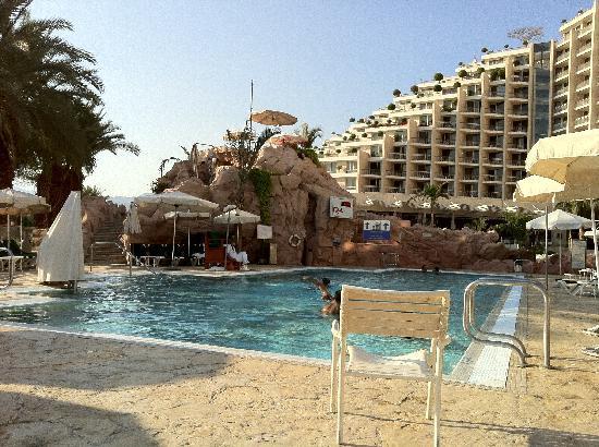 Dan Eilat : a bigger splash
