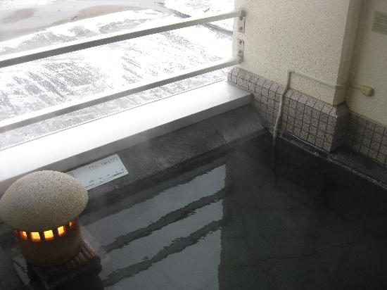 Yunokawa Prince Hotel Nagisatei: Hot bath at the room balcony