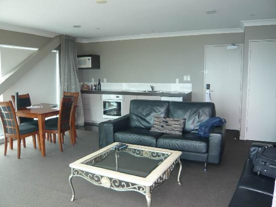The Waterfront: Waterfront Hotel, New Plymouth, living room penthouse suite
