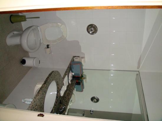 Hotel Canadiano: Salle de bain