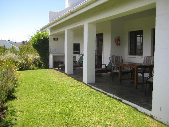 Fynbos Ridge Country House & Cottages: Aristea cottage's private verandah