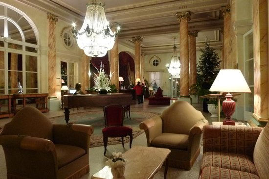 Le Grand Hotel Cabourg - MGallery Collection: Hall d'entrée fastueux, clair, propre et chaud