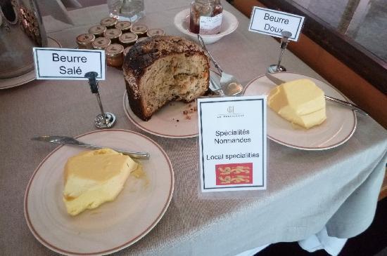 Le Grand Hotel Cabourg - MGallery Collection: Des spécialités normandes au petit déjeuner