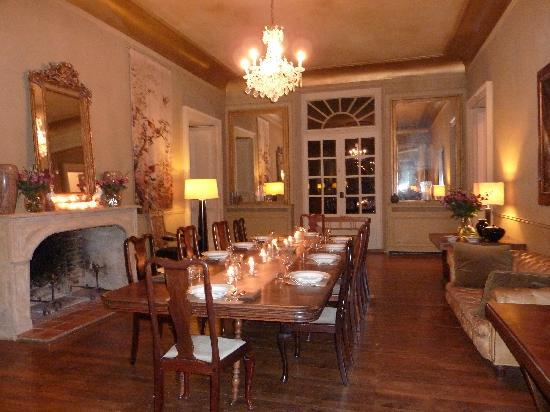 Chateau de Lartigolle : dining room set for dinner