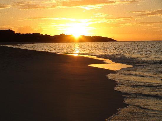 Shoal Bay Villas: A Shoal Bay sunset, ahhhh...
