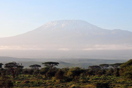 Sentrim Amboseli: Sunrise and Mount Kilimanjaro