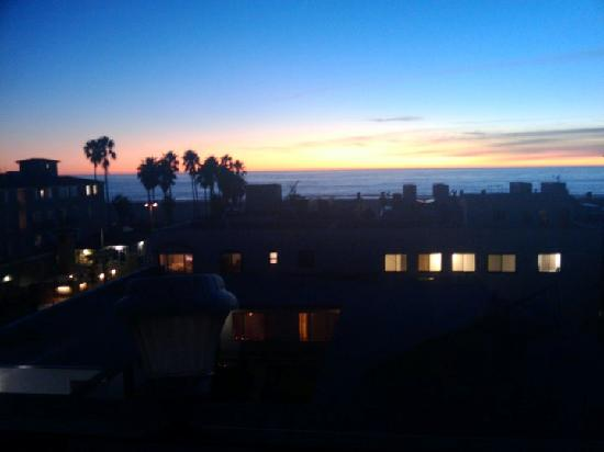 Venice Admiral Suites: Sunset as seen from the roof deck